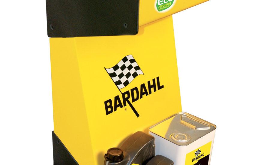 Een Bardahl 5 in 1 Machine voor het reinigen van motoronderdelen